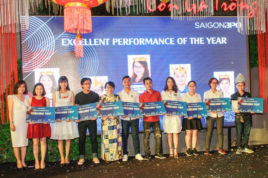 Nhân viên xuất sắc Sài Gòn BPO của dự án xử lý dữ liệu, quản lý và lưu trữ hồ sơ nhận giải